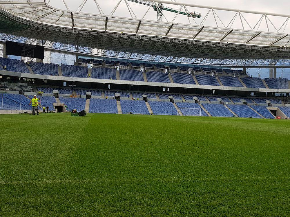empresa de construccion de gradas para campos de futbol
