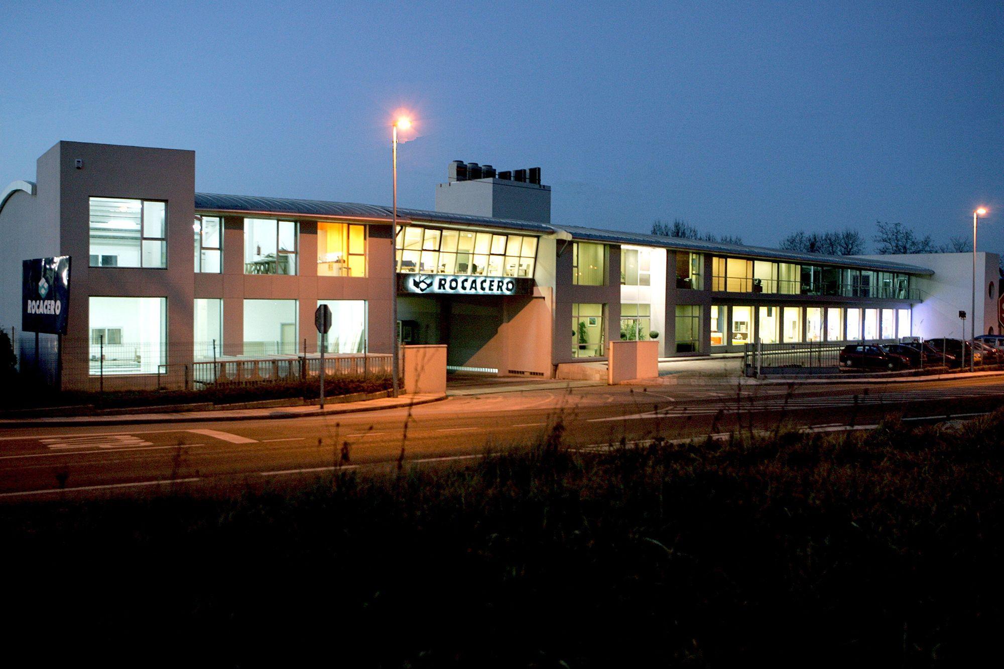 Inauguradas las nuevas instalaciones de la fábrica Rocacero en Requejada
